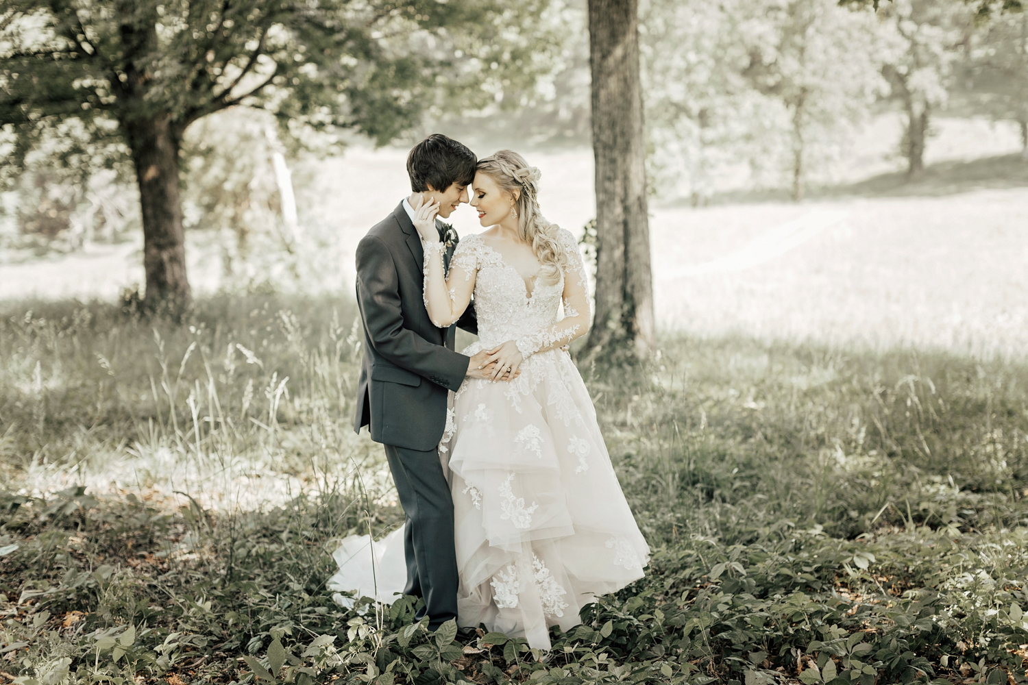 Alyssa + Dylan / Knoxville, Tennessee Fantasy Themed Wedding ...